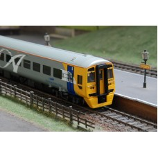 Bachmann 31-506 Class 158 2 Car DMU Alphaline Wales & West No.158745