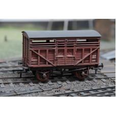Bachmann 37-700A Cattle Wagon 10 Ton BR Bauxite No. M292722