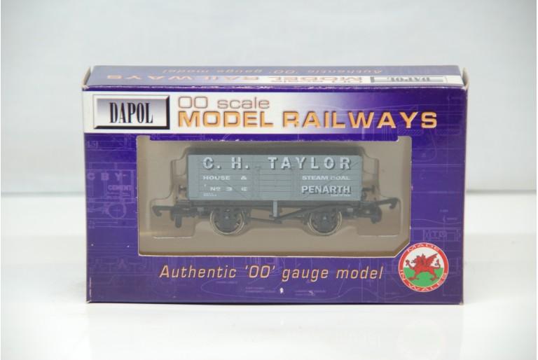 C H Taylor Penarth 7 Plank Wagon No.3