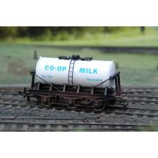 CO-OP 6 Wheel Tanker 169 Newcastle B654