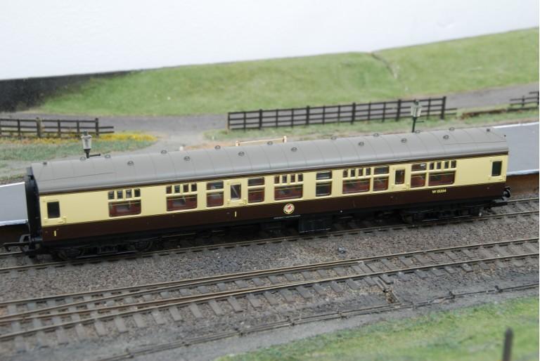 BR MK1 Composite Coach Western Region W15334