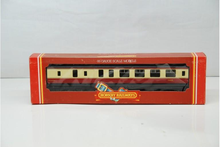 BR Composite Coach Crimson / Cream M26545