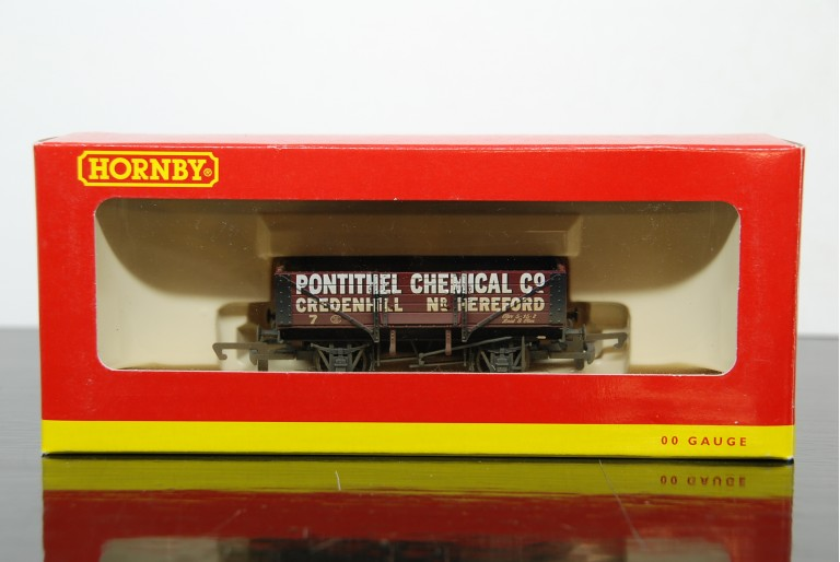 R6072 Pontithel Chemical Co Wagon