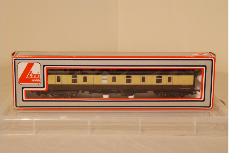 Guards Car Coach Brown and Cream W24680
