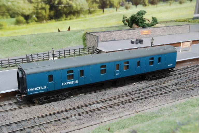 BR Parcels Express B80855 Coach