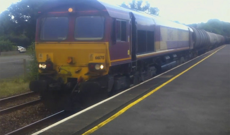 EWS 66170 locomotive moving freight from Westerleigh Murco to Milford Haven